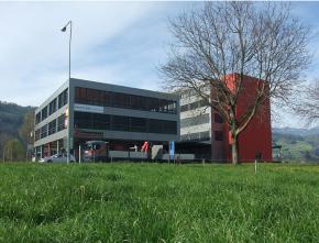 Büro– und Gewerbegebäude, Buochs